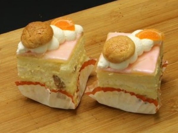 Chipolata petit four